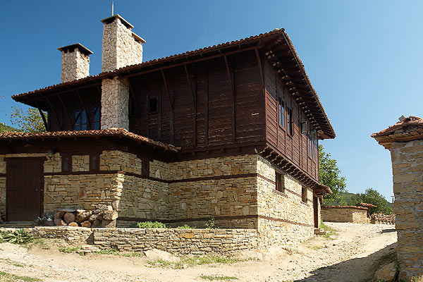Галерия Радева къща Жеравна